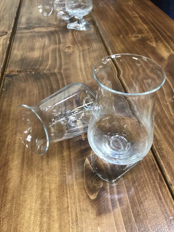 Gläser der Sliabh Liag Distillery