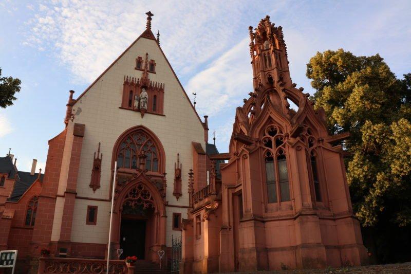 Katholische Wallfahrtskapelle St. Rochus oberhalb von Bingen