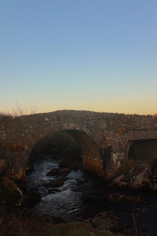 Eine Brücke in Glencolumbkille