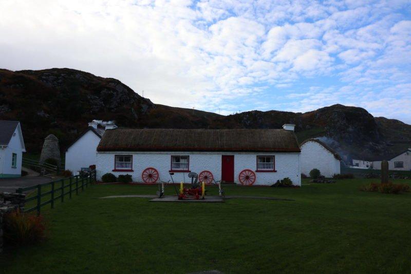 Ein Haus des Folk Village Glencolumbkille