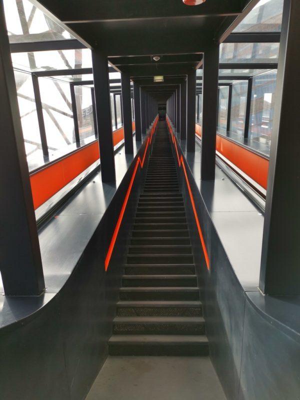 Diese Treppe führt hoch zum Ruhr Museum
