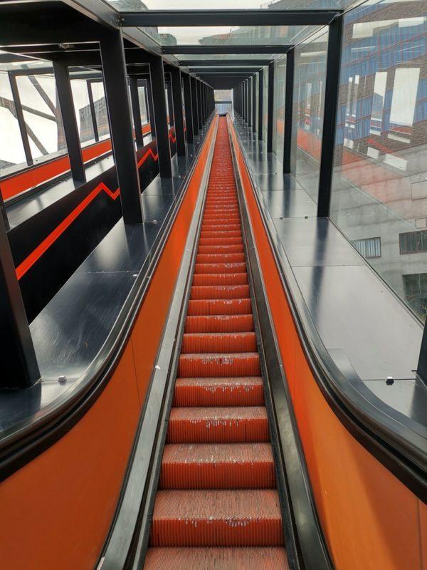 Oder Du nimmst wie wir die Rolltreppe ins Ruhr Museum Essen - gleich rechts neben der Treppe