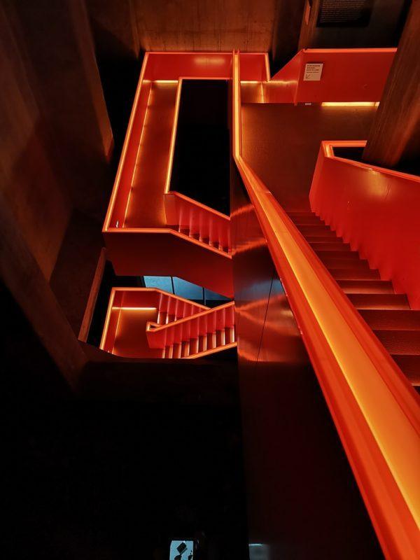 Was für ein krasses Treppenhaus im Ruhr Museum in Essen auf dem Gelände der Zeche Zollverein
