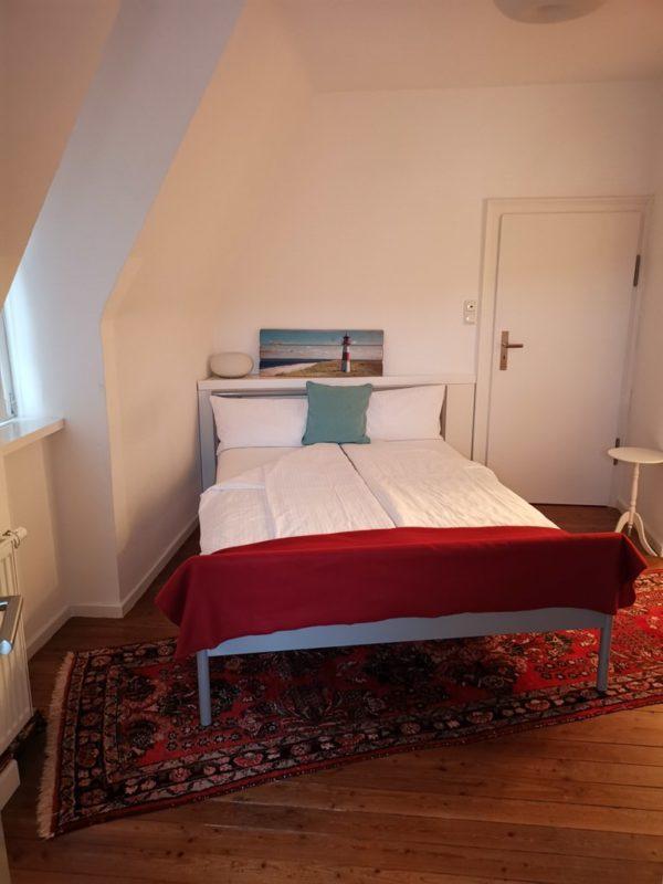 Sehr bequemes Bett im Dachgeschoss im Hotel Kolb in Zeil