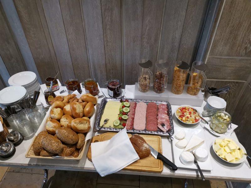 Ausreichend Frühstück auf dem Buffet im Hotel Kolb in Zeil