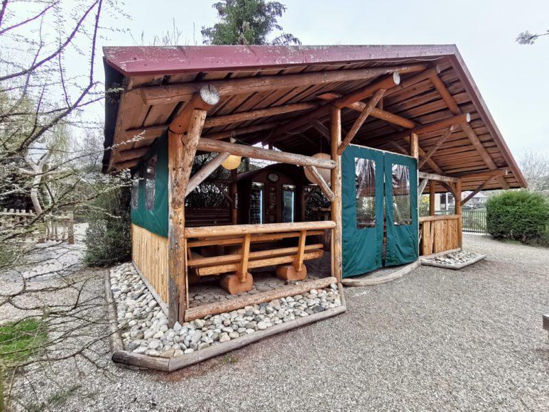 Gemeinschaftshütte im Schäferwagenhotel Leinach