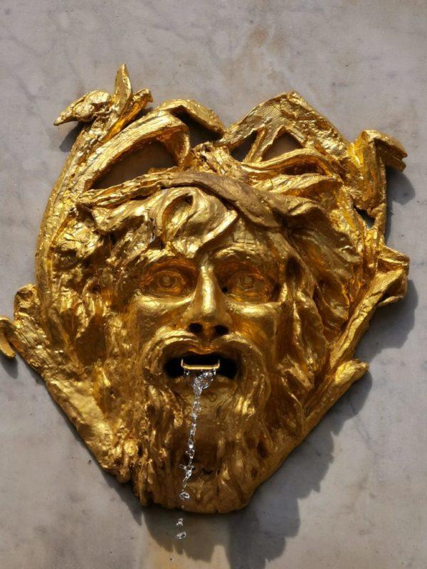Goldener Wasserspeier in Bonn
