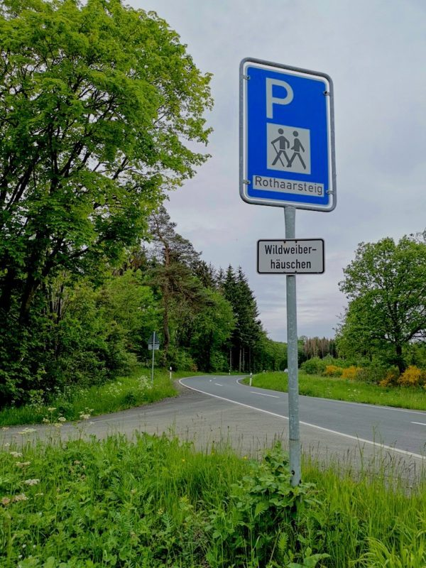 Am Wanderparkplatz Wildweiberhäuschen angekommen