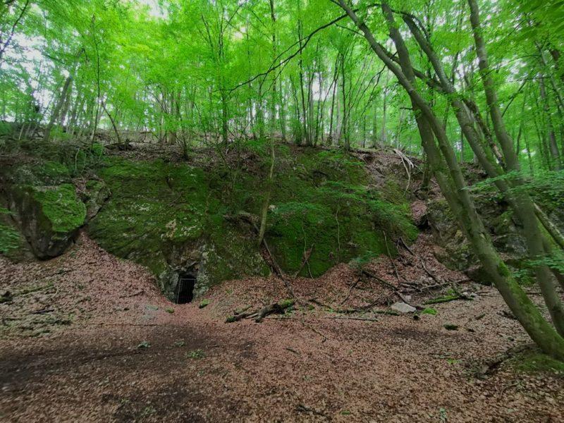 Eingang zur Höhle im Benderstollen