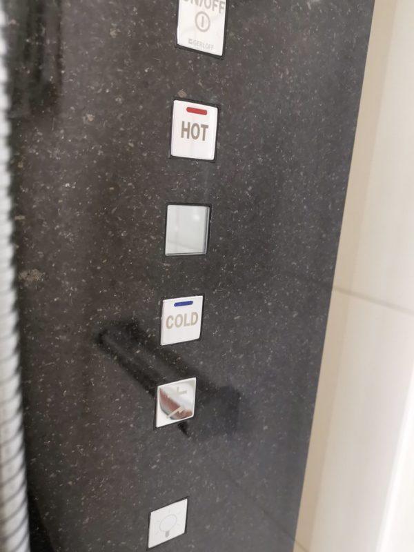 Das Bedienfeld der Dusche macht mir (grundlos) ein wenig Angst
