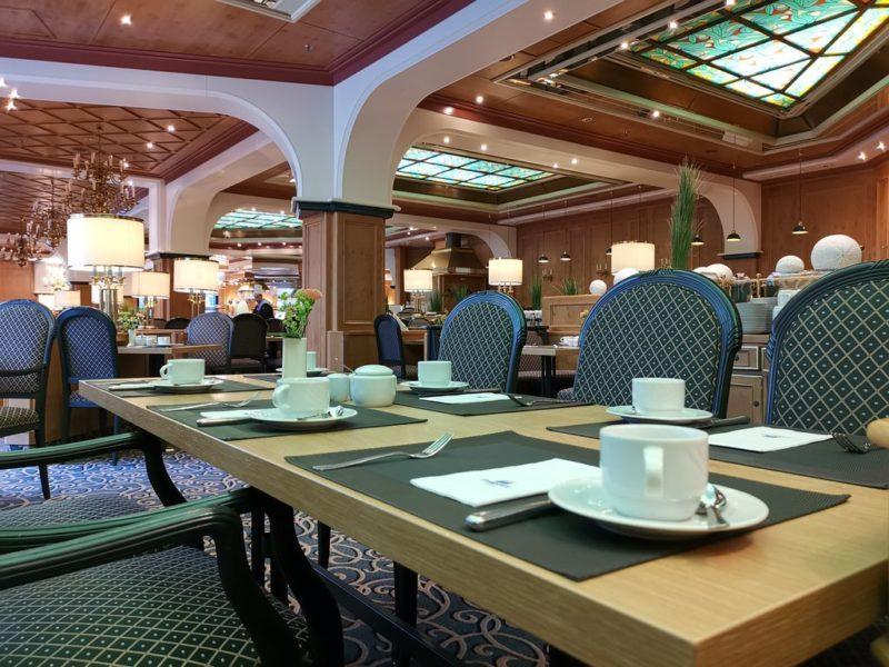 """Ein Blick in das Restaurant """"Rôtisserie"""""""