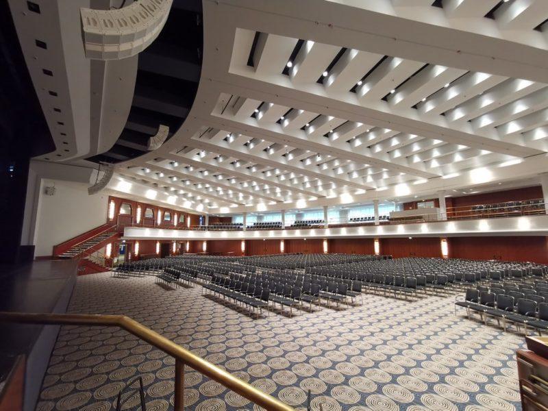Der mächtige Saal Maritim bietet bis zu 2.800 Gästen Platz