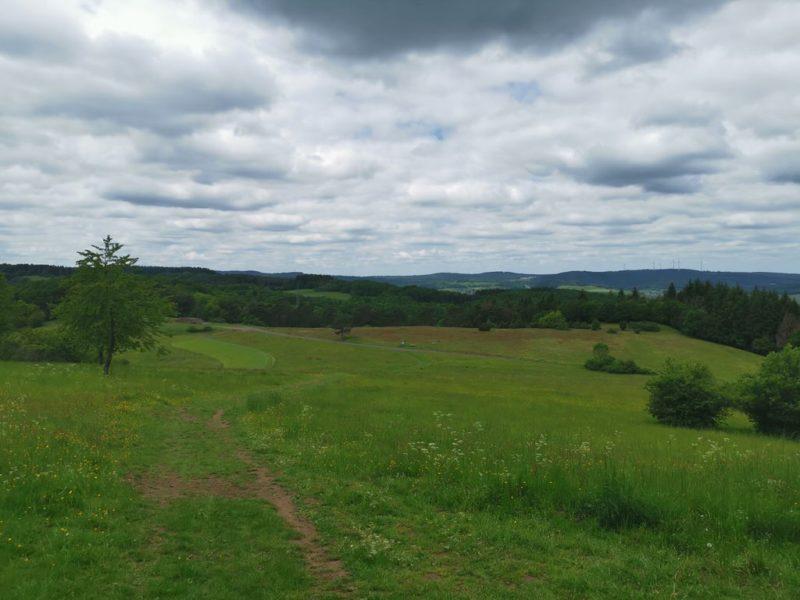 Weitblick vom Kornberg - mit leicht bedrohlich wirkenden Wolken