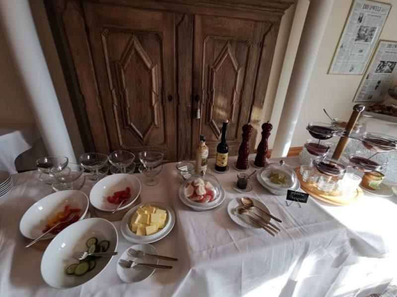 Allerlei sonstiges Zeuchs  zum Frühstück
