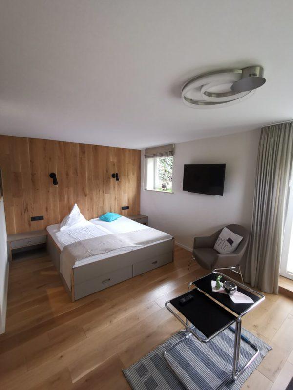 Mein Bett im Gästehaus des Sauerländer Hofs in Hallenberg