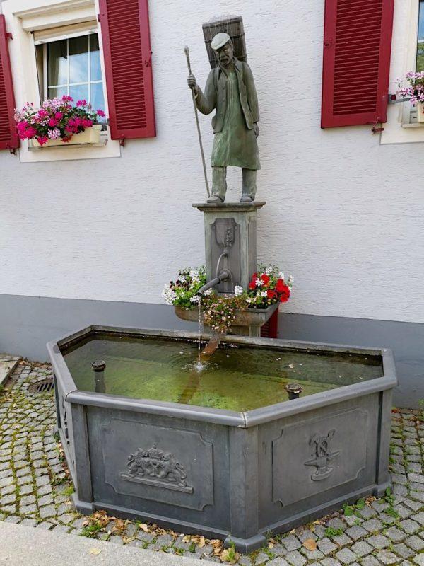"""Brunnen zum Thema """"Wasser für Handwerker"""""""