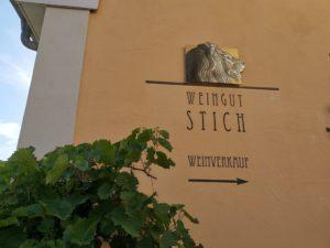 Der Eingang zur Häckerwirtschaft Stich in Bürgstadt