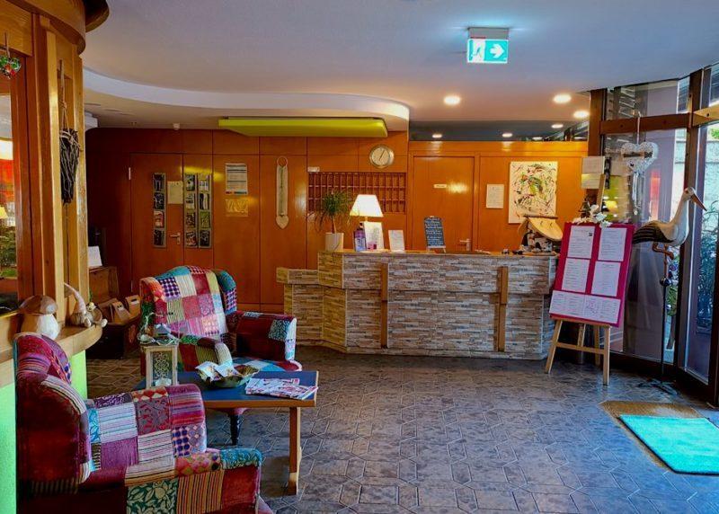 Rezeption im Hotel-Restaurant Bräutigam's Weinstuben Ihringen im Kaiserstuhl