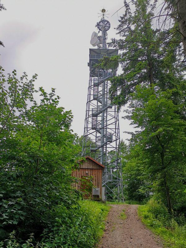 Der Eichelspitzturm von unten