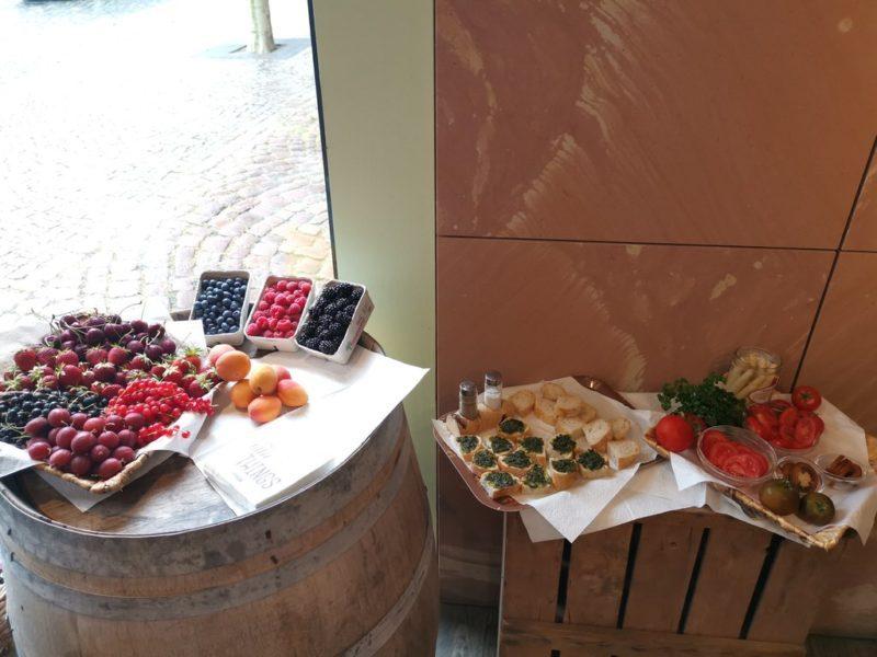 Auswahl an Früchten und Gemüsen für uns auf der kulinarischen Stadtführung in Miltenberg bei Simon - natürlich gut