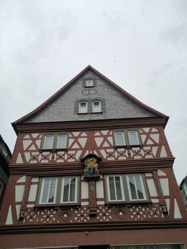 Nur eines der zahlreichen schönen Fachwerkhäuser in Miltenberg am Main