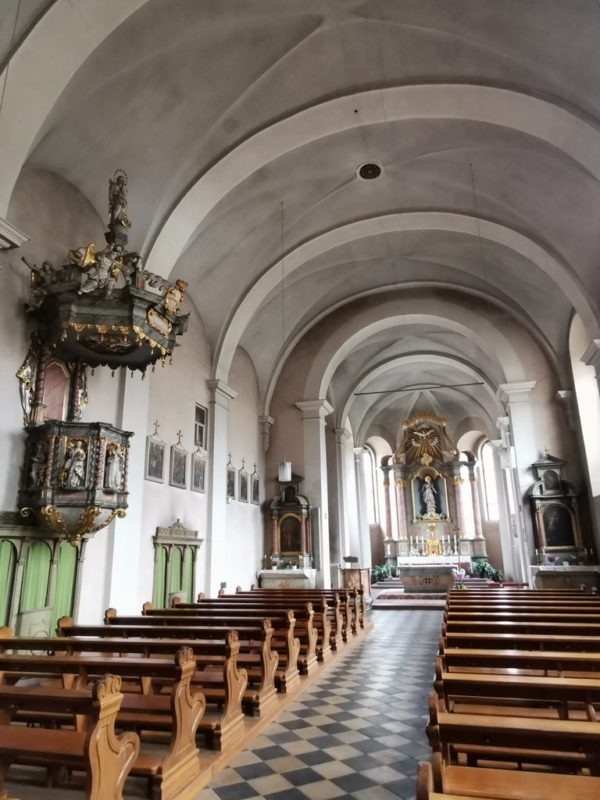 Die Franziskanerkirche von innen
