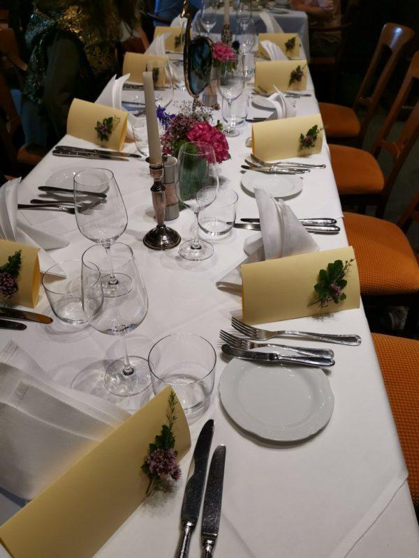 Der eingedeckte Tisch im Weinhaus Stern in Bürgstadt