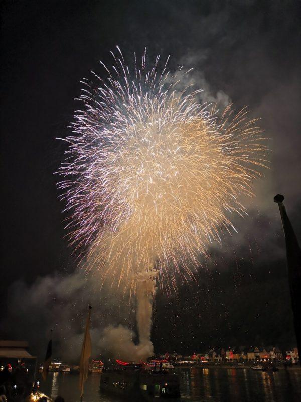 Weisses Feuerwerk St. Goarshausen / St. Goar 2019 bei Rhein in Flammen