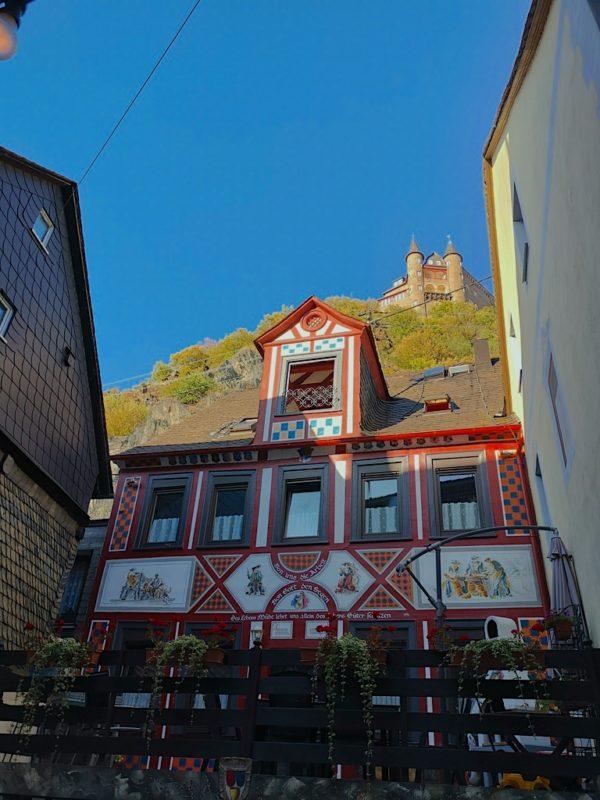Die Burg Katz thront auch über der Weingass' - aber auch dieses Fachwerkhaus starre ich lange begeistert an