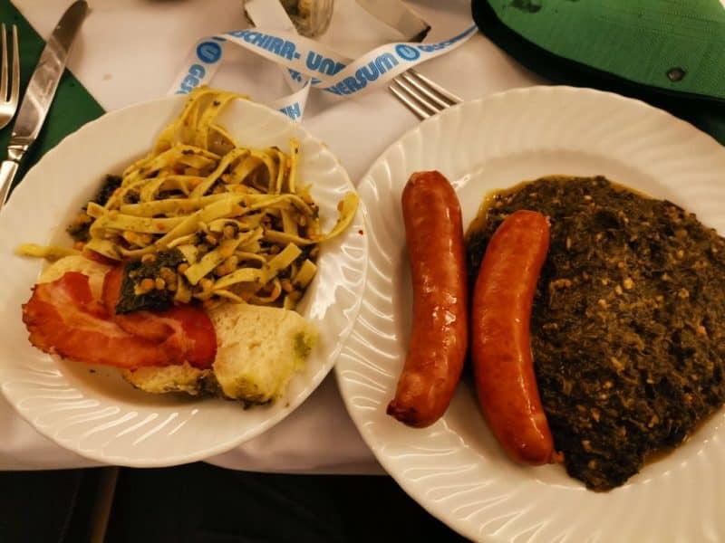 Grünkohl und Pinkel, das traditionelle Essen zum Abschluss einer jeden Kohlwanderung