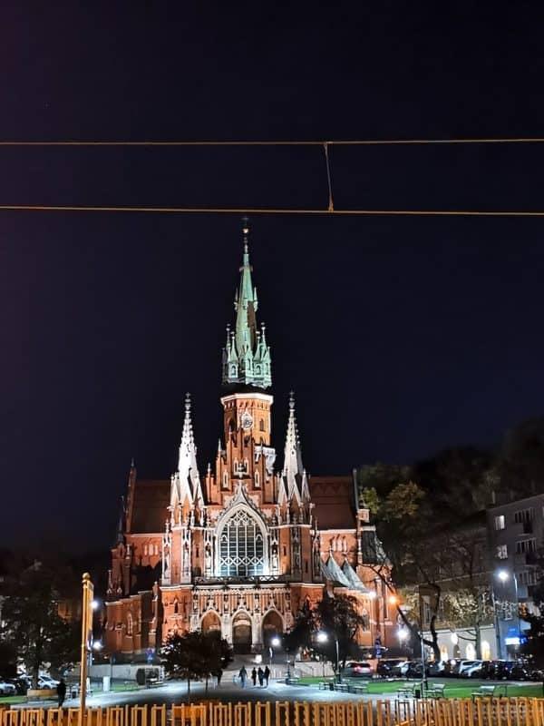 Josefskirche in Krakau bei Nacht