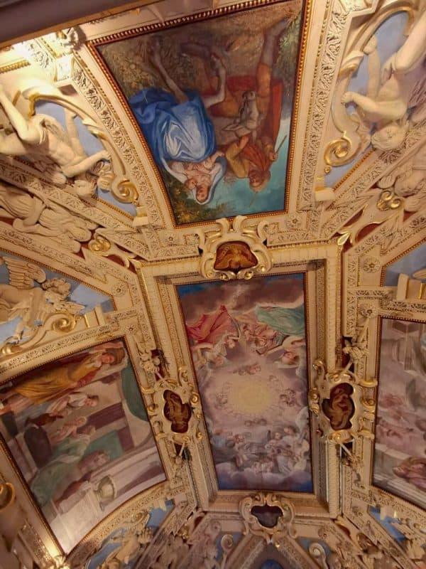 Deckenmalerei in der Kapelle der Burg Forchtenstein
