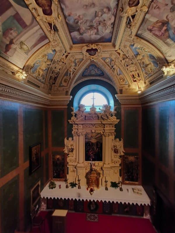 Ein Blick in die Kapelle der Burg Forchtenstein