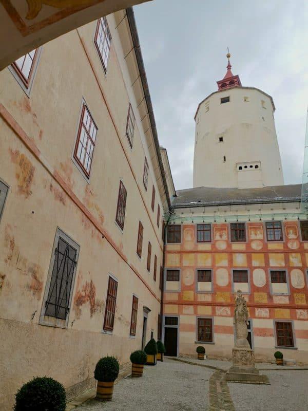 Innenhof der Burg Forchtenstein