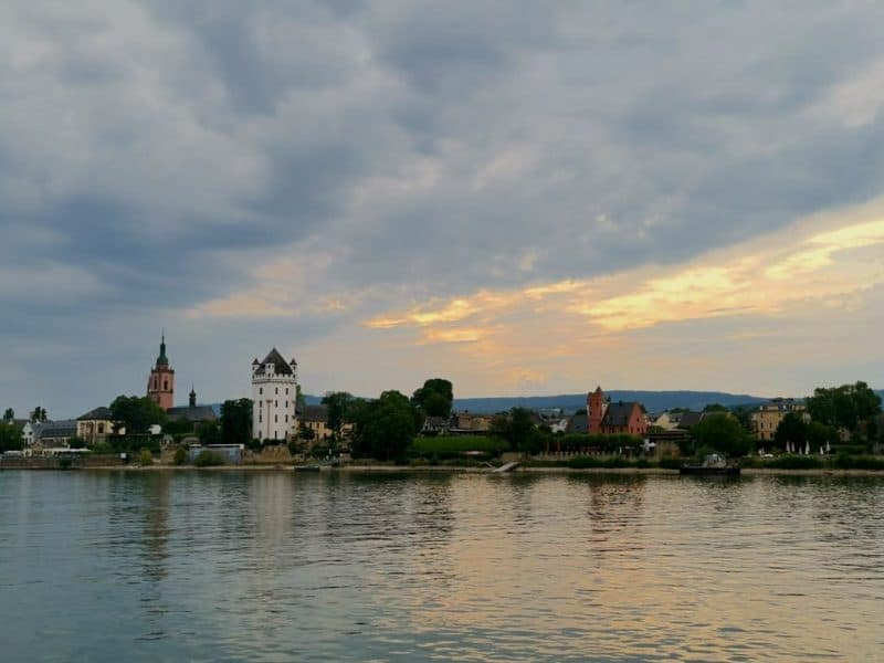 Und auch die kurfürstliche Burg in Eltville würde ich gerne mal anschauen...