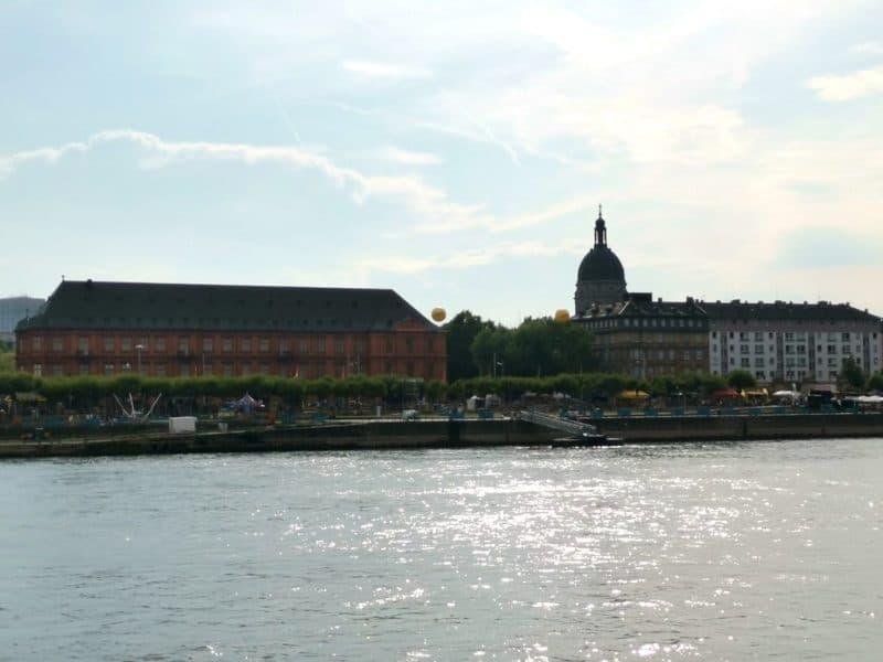 Mainz und auf einmal sitzen wir in der Sonne