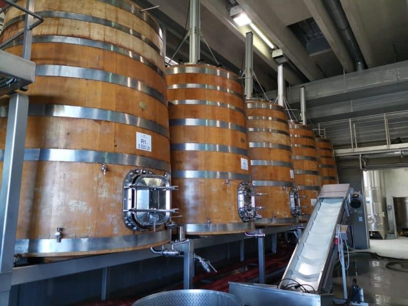 Holztanks im Weingut Esterházy