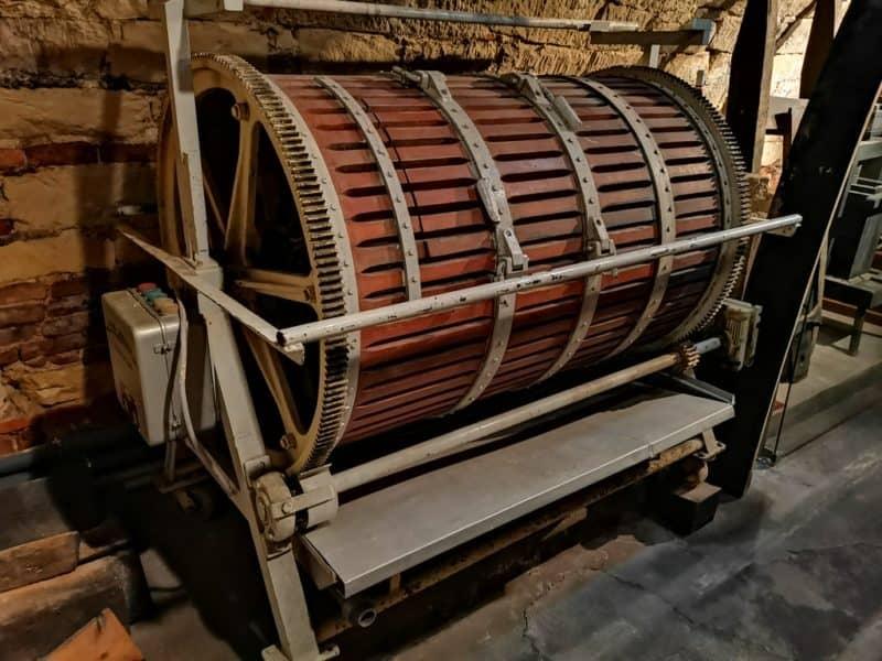 Eine interessante Presse im Weinmuseum im Schloss Esterházy