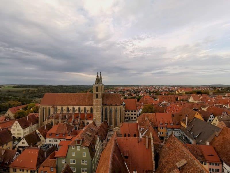 Ausblick vom Rathausturm Rothenburg auf die St. Jakobkirche