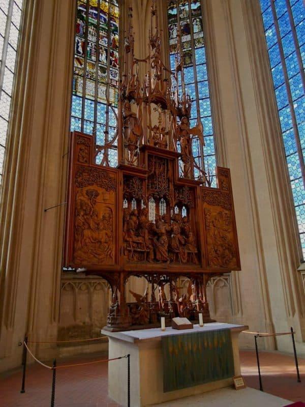 Der Heilig-Blut-Altar von Tilman Riemenschneider in der St. Jakobkirche in Rothenburg ob der Tauber