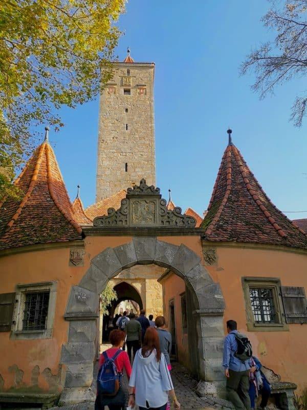Das Burgtor mit Burgturm und dem Stadttor Rothenburg ob der Tauber