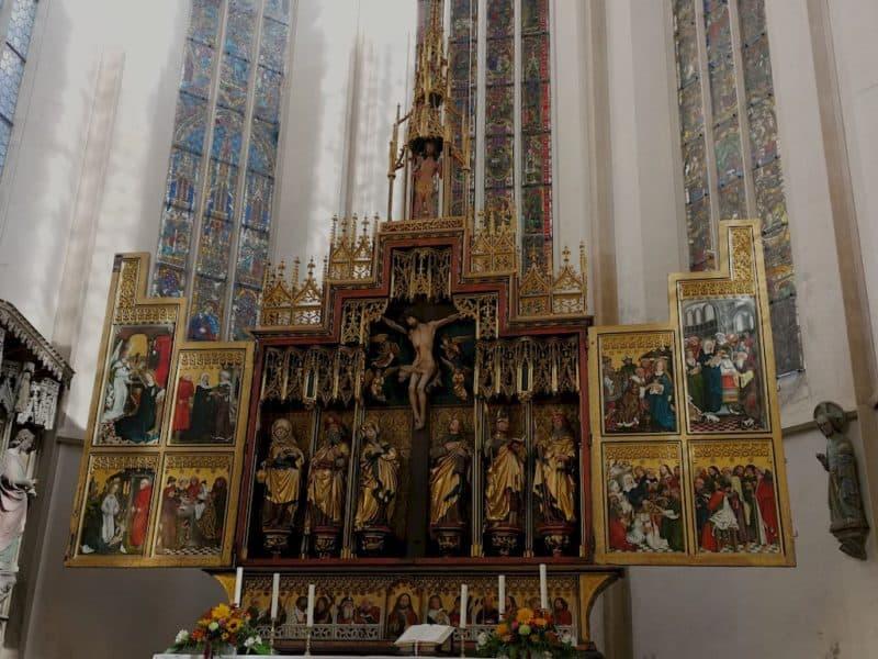 Hauptaltar, auch Zwölfbotenaltar genannt, in der St. Jakobskirche in Rothenburg ob der Tauber