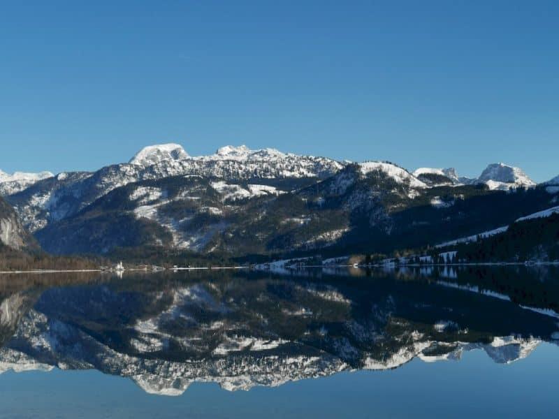 Und tolle Spiegelungen gibt es am Gründlsee