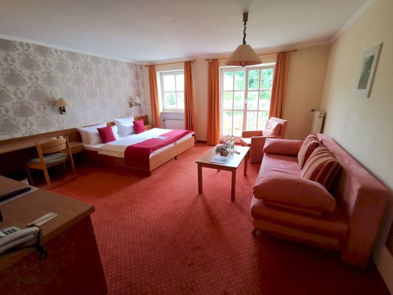 Das Zimmer im Landschloss Ernsestgrün vom Eingang her