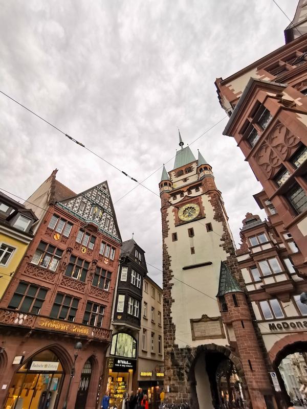 Das Martinstor in Freiburg