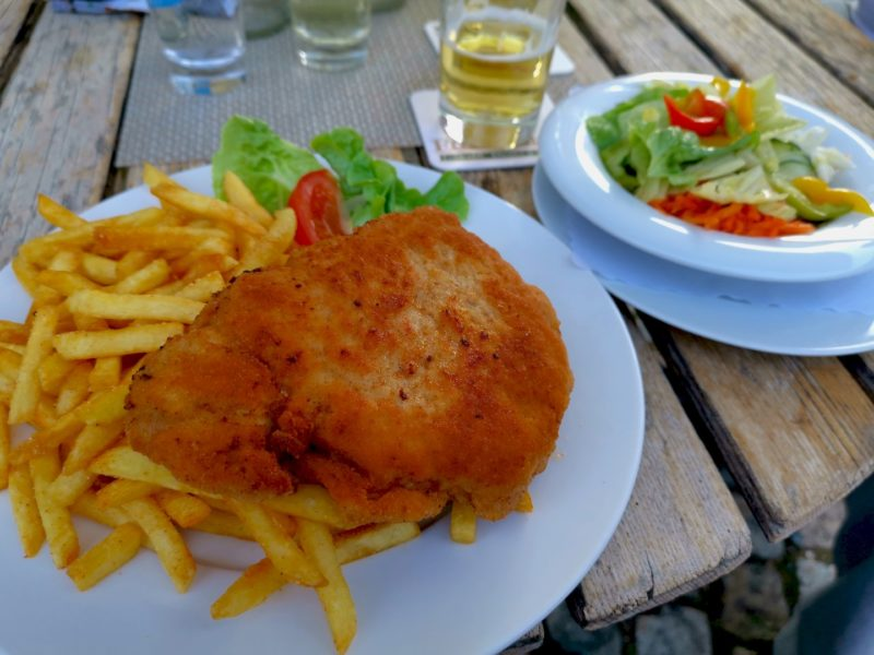 Cordon Bleu mit Pommes im Kondrauer Hof Waldsassen