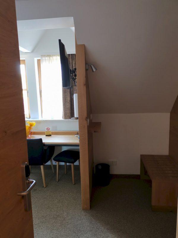 Der Blick ins Zimmer beim Öffnen der Türe