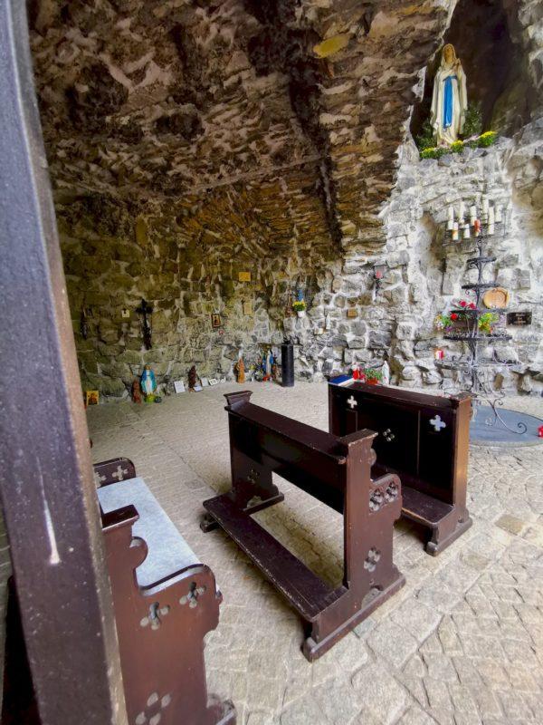 In der Lourdes-Grotte von Waldsassen