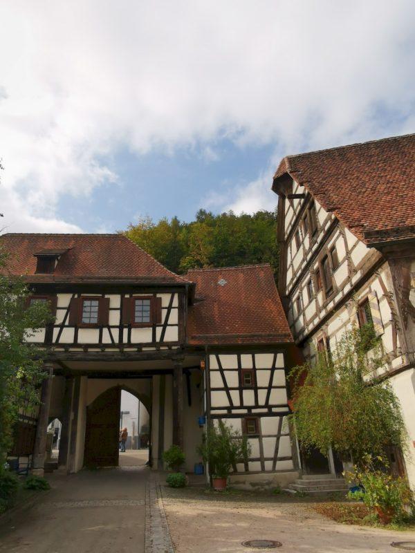 Der Eingang bzw. Ausgang zum/vom Kloster Blaubeuren ist bereits echt ein Blickfang