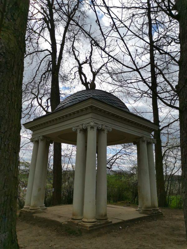 Der Amor-Tempel in Scharnhausen, ein ehemaliges Lust-Schlösschen von Herzog Carl Eugen